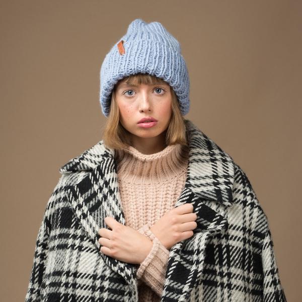 Czapka z wełny alpaka błękitna typu smerf damska modne czapki sklep wełna alpaka - Brunon Muszynski